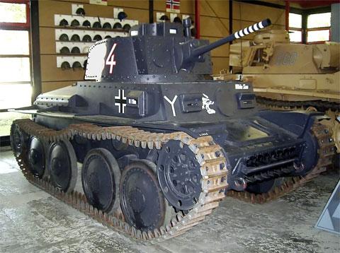 Легкий танк TNH P-S