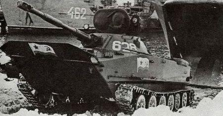 Легкий плавающий танк ПТ-76